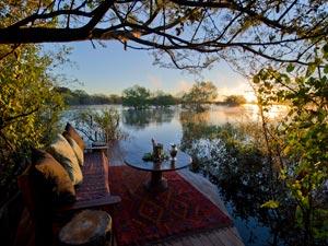 Zambia-Floating-pontoon---Tongabezi