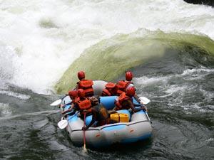 Zimbabwe-Wild-Horizones---rafting-1